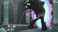 Twilight escapes from the Pony of Shadows S7E26