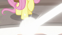 Beams of light glow at Fluttershy's hooves S9E21