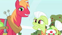 Big Mac and Granny Smith nodding heads S4E17