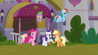 Main ponies entering a dark Canterlot S9E25