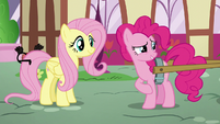 Pinkie rubbing her left front leg nervously S5E19