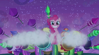 Pinkie sets off large collection of fireworks S9E17