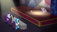 S05E04 Sweetie Belle na scenie
