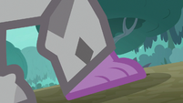 Spike's foot gets encased in stone S8E11