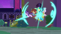 Starlight and Young Six teleport outside S8E26