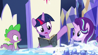"""Twilight Sparkle """"from every corner of our land"""" S7E25"""