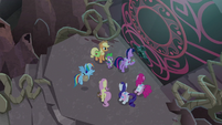 Twilight about to use Key of Unfettered Entrance S8E25