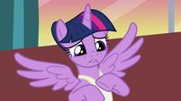 Twilight feeling sorry for Princess Celestia S7E10