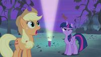 Twilight hit by apple core S4E07