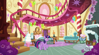 Twilight sees that Pinkie is nowhere to be seen S5E11