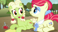 Young Granny Smith --I can do it!-- S3E8