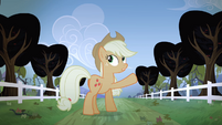 Applejack pointing to the trees S04E07