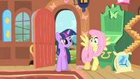 Fluttershy worried as Twilight enters S01E22