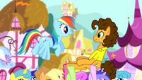 Rainbow talking to Cheese Sandwich S4E12