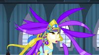 S04E19 Sapphire rozpada się korona