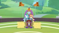 Smolder joins the pony pyramid S9E15