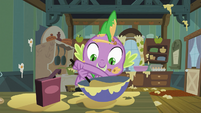 Spike makes a mess baking pies S03E09