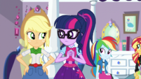 Applejack and Twilight look at each other EGS1