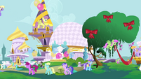 Decorating Canterlot S4E1