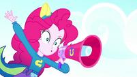 "Pinkie Pie shouting ""Blue!"" SS4"