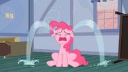 S2E13 Pinkie płacze