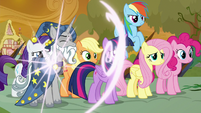 Star Swirl the Bearded appears next to Twilight S9E2