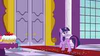 Twilight Sparkle looking extra worried S9E13