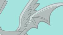 Discord's stone wings S03E10