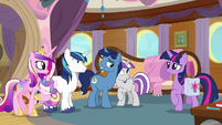 Sparkle family members happy together S7E22