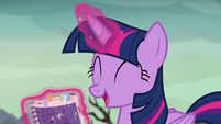 Twilight --a whole book on dragons!-- S6E5