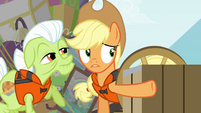 Applejack pointing to cave S4E09