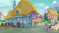Pinkie jumps back outside in a crib S5E19
