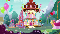 Twilight, Starlight, and Spike take down decorations S7E15