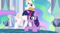 "Twilight ""just now starting to steal magic"" S4E25"