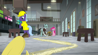 Banana peel slipping across the floor S9E14