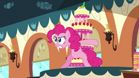 Pinkie Pie protecting the cake S2E24