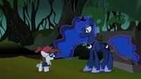 S2E04 Pipsqueak talking to Luna