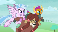 Silverstream and Smolder carrying Yona S8E1