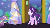 Spike runs away from Starlight's room S7E1