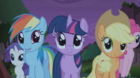 Twilight and friends relieved S1E02