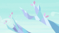 Crystal branches growing outward S9E3