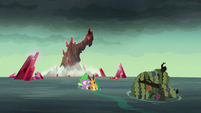 Spike carries armored dragon to shore S6E5
