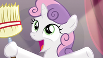 Sweetie Belle suddenly holding a broom S5E4