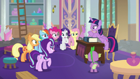 Twilight being forceful with her friends S8E1