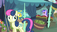 Bon Bon hears something behind her S8E12