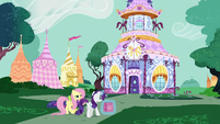 Fluttershy and Rarity return to the boutique S6E11