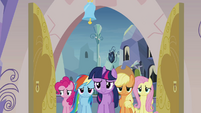 Main 5 ponies entering the spa S03E12