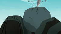Marble Pie's pickaxe fractures the rock S8E3