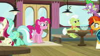 Pinkie Pie enters the Hay Burger S9E16