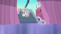 Twilight walking towards her friends and family S6E2